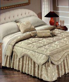 Elite bedspread in beige ADA bed (ADA mushroom) GF Ferrari (Italy) Source by Interior Design Living Room, Living Room Decor, Bedroom Decor, Bed Cover Design, Linen Bedroom, How To Make Bed, Bed Covers, Soft Furnishings, Bed Spreads