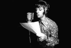 Beatles engineer Ken Scott says Ringo Starr is one of the best rock and roll drummers he ever worked with,says he was incredible Beatles Bible, Beatles Band, Beatles Songs, The Beatles, Beatles Photos, George Martin, Richard Starkey, The White Album