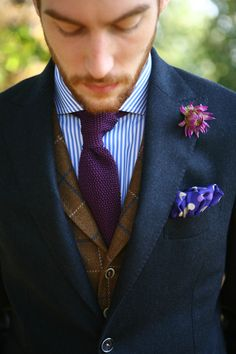 Cravate tricot, gilet en tweed et costume destructuré en flanelle! #WicketSoBritish