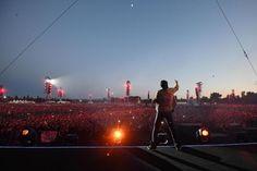 Il concerto di Vasco Rossi a Modena, le foto - Il PostIl pubblico del concerto di Vasco Rossi di ieri a Modena visto dal palco (ANSA/ALESSANDRO DI MEO)