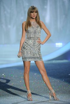 "Taylor Swift ; "" I Knew You Were Trouble"", 2013 Victoria's Secret Fashion Show, November 2013, Victoria's Secret custom & Nicholas Kirkwood heels"