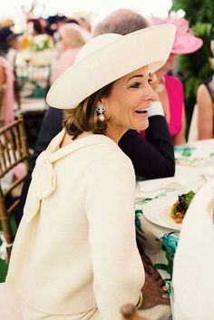 cool chic style fashion: Women's Committee of Central Park Conservancy Wedding Guest Style, Wedding Styles, Ladies Who Lunch, Cocktail Outfit, Advanced Style, Hats For Women, Mother Of The Bride, Lady, Ideias Fashion