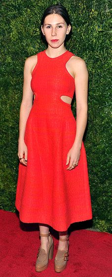 Major celebs figure out how to dress for Anna Wintour at this A-List red carpet...love Zosia Mamet's look here!
