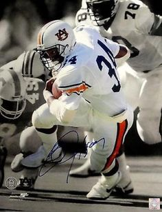 Bo Jackson Auburn University Tigers Action Photo Print x College Football Players, Auburn Football, Auburn Tigers, Football Helmets, Baseball, Best Running Backs, Mike Jordan, Nfl 49ers, Bo Jackson