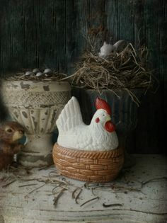 Vintage Nesting Chicken. Ceramic Rooster Candy by 3vintagehearts