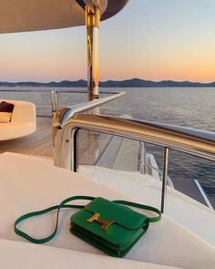 Hermes Constance, My Unique Style, Classy Aesthetic, Luxury Yachts, Luxury Bags, Tote Purse, My Bags, Purses And Handbags, Michael Kors Jet Set