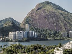 https://flic.kr/p/GPY9uY | Prédios Brasileiros | Edifícios residenciais na Lagoa.  Rio de Janeiro, Brasil. Tenha um excelente final de semana. :-)  ________________________________________________  Brazilian Buildings  Residential buildings at Lagoa neighborhood.  Rio de Janeiro, Brazil. Have a gorgeous weekend! :-)  ________________________________________________  Buy my photos at / Compre minhas fotos na Getty Images  To direct contact me / Para me contactar diretamente…