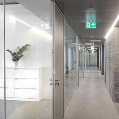 Büroeinrichtung by Sara Suisse