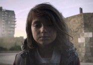 A vida de uma menina destruída um segundo por dia