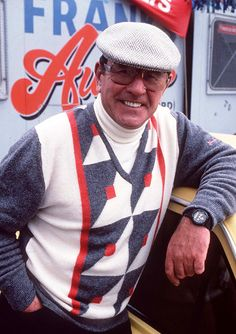The late, great Mike Reid RIP) portrayed Frank Butcher on EastEnders Mike Reid, Barbara Windsor, Soap Stars, Tv Soap, East London, The Duff, Childhood Memories, Bbc, Famous People