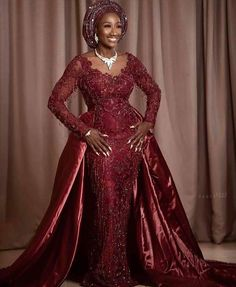 Always colorful, and elegant, these traditional African wedding styles are sure to make you feel and look beautiful. Nigerian Traditional Dresses, African Traditional Wedding Dress, Traditional Wedding Attire, African Lace Styles, African Lace Dresses, Latest African Fashion Dresses, Ankara Styles, African Clothes, Nigerian Bride