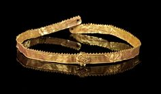 Golden diadem with a rosette in the middle. Hellenistic, 2nd - 1st century B.C.