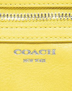 A closer look at the Spring 2013 Collection from Coach Gucci Purses, Coach Purses, Purses And Bags, Coach Bags, My Style Bags, Coach Leather Handbags, Womens Designer Bags, Bags Online Shopping, Coach Me