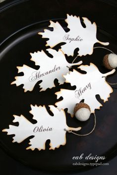 Kid-crafted Thanksgiving table decor doesn't have to look homely. These virtually impossible-to-screw-up Thanksgiving table crafts are easy enough for kids to make, but chic enough for adults to enjoy. Free Place Card Template, Printable Place Cards, Leaf Template, Card Templates, Thanksgiving Place Cards, Thanksgiving Crafts, Thanksgiving Decorations, Thanksgiving Countdown, Fall Decorations