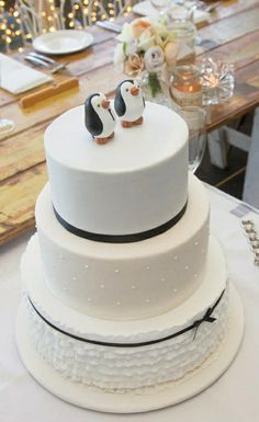 penguin wedding cakes   visit etsy com