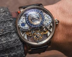 The Bovet 1822 Récital 20 Astérium has a long power reserve of 10 days or 720 hours. Check out our hands-on!