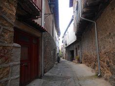 calle del barrio del castillo.