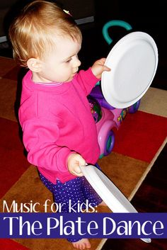 Easy Percussion for Kids: The Plate Dance for Toddlers & Pre.-Easy Percussion for Kids: The Plate Dance for Toddlers & Preschoolers – Simple percussion dance via Childhood 101 - Movement Preschool, Preschool Music Activities, Movement Activities, Toddler Preschool, Toddler Activities, Toddler Crafts, Preschool Activities, Music Lesson Plans, Music Lessons
