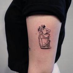 Howl's Moving Castle. Manga Tattoo, 1 Tattoo, Piercing Tattoo, Tattoo Drawings, Mini Tattoos, Body Art Tattoos, Small Tattoos, Sleeve Tattoos, Pretty Tattoos