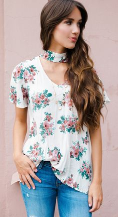 FLORAL CUT OUT TEE - BEIGE