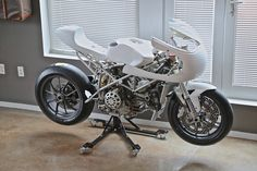 RADICAL DUCATI 999/996 CAFE RACER