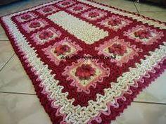 flores de croche marcelo nunes - Pesquisa Google                                                                                                                                                      Mais Crochet Motif, Diy Crochet, Crochet Rugs, Crochet Patterns, Wiggly Crochet, Floor Mats, Cross Stitch, Blanket, Beads