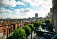 These apartments offer the epitomy of luxury and quality in the heart of London\\\'s Mayfair. With two double bedrooms and two bathrooms, the apartments on Park Lane have fantastic views and a stunning quality of finish throughout. The building can offer addtional services subject to a surcharge and there is a 24 hour concierge service on site. Early viewings are highly recommended. The price is subject to VAT.