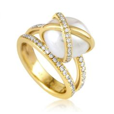 """Pre-owned Fred of Paris """"Baie des Anges"""" 18K Yellow Gold Diamond &... ($2,070) ❤ liked on Polyvore featuring jewelry, rings, gold jewellery, freshwater pearl ring, 18k diamond ring, 18k gold jewelry and gold jewelry"""