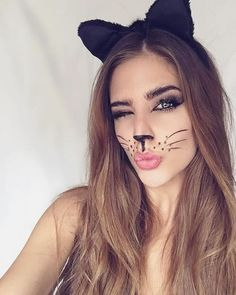 38 Gorgeous Cat Makeup Ideas For Halloween Party That Will Amaze You - All kids can enjoy getting a face painting of a cat, the only difference is the paint colors you choose. Little girls will want their cat face paint t. Diy Halloween Face Makeup, Cat Face Makeup, Cute Halloween Costumes, Halloween Make Up, Cat Costume Makeup, Diy Cat Costume, Bunny Makeup, Clara Alonso, Catwoman Makeup