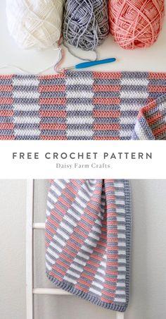 Free Pattern - Crochet Mini Half Stripe Baby Blanket by Daisy Farm Crafts. Afghan Crochet Patterns, Crochet Stitches, Crochet Hooks, Baby Blanket Knitting Patterns, Crochet Daisy, Free Crochet, Knitting Projects, Crochet Projects, Farm Crafts