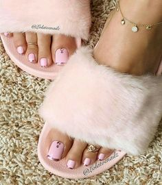 New Pink French Pedicure Toenails Ideas Pink Pedicure, Manicure Y Pedicure, Pedicure Soak, Fall Pedicure, Pedicure Colors, Pedicure Ideas, Pretty Toe Nails, Pretty Toes, Cute Pedicures