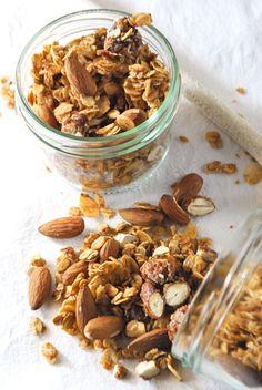 Kürbis-Knuspermüsli mit Pecankernen und herbstlichen Gewürzen | Kaffee & Cupcakes