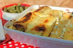 Sünis kanál: Sós túrós-sajtos palacsinta csőben sütve Chicken, Meat, Food, Essen, Yemek, Buffalo Chicken, Cubs, Meals, Rooster