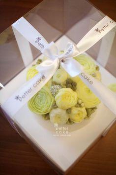 Done by student from HK (베러 심화클래스/Advanced course) www.better-cakes.com  #buttercream#cake#베이킹#baking#수제케익#bettercake#버터크림케익#베러케익#yummy#flower#웨딩케익#sweet#플라워케익#foodporn#birthday#wedding#디저트#foodie#dessert#버터크림플라워케익#following#food#koreancake#beautiful#flowerstagram#instacake#like#꽃스타그램#베이킹클래스#instafood#