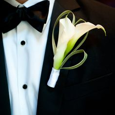 Calla Lily Boutonniere // Robin Nathan Photography // Boutonniere: Andy Beach & Co. // http://www.theknot.com/weddings/album/a-modern-elegance-wedding-in-atlanta-ga-133454