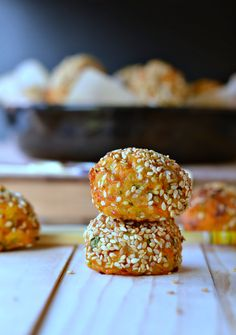 Those Carrot Sesame Balls are SOO easy ! A crispy sesame crust and cheesy centre. Only 15 minutes to bake and gluten free!
