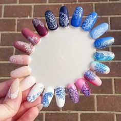 zdobienie rapidografem - Szukaj w Google Manicure Gel, Diy Nails, Pedicure, Cute Nails, Pretty Nails, Nail Art Arabesque, Nail Art Wheel, Mandala Nails, Nails Only