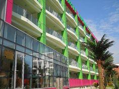Hotel Fortuna ofera turistilor posibilitatea petrecerii unui sejur relaxant si odihnitor la malul marii, fiind situat la numai cateva minute de plaja. Multi Story Building, Neon Signs