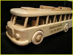 autobus drevený Wooden Toys, Rolling Carts, Wooden Toys For Kids, Promotional Giveaways, Birthday, Handarbeit, Wood Toys