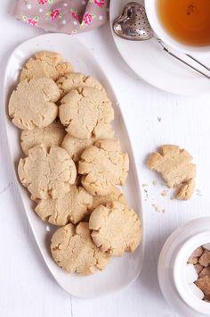Tahini & Almond Cookies