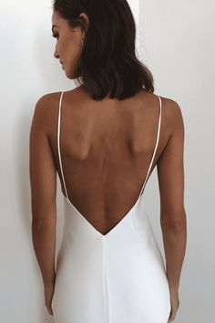The existing wedding dresses 2019 includes a dozen various dresses in the current Boho style. Several wedding dresses are two-piece with a contemporary Top or prime top, co Wedding Robe, Sexy Wedding Dresses, Wedding Dress Shopping, Wedding Dress Styles, Wedding Gowns, Wedding Dress Backless, Cowl Neck Wedding Dress, Sleek Wedding Dress, Bling Wedding