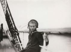 Grand Duchess Olga Nikolaevna aboard of the Imperial Yacht Standart em 1907. Possivelmente a bordo do Imperial Yacht Polar Star.