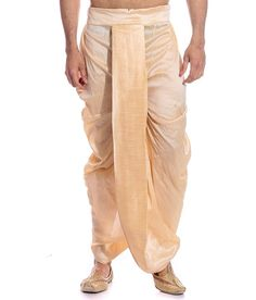 13 Grown-Up Ways to Wear Dhoti for Men - LooksGud. How To Wear Dhoti, Kurta Men, Dhoti Mens, Indian Men Fashion, Mens Fashion, Temple Wedding, Indian Outfits, Indian Clothes, Sherwani