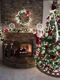 christmassy_festive_fairies_ on Poshinsta Christmas Fireplace, Christmas Mantels, Christmas Love, Outdoor Christmas, Christmas Pictures, Christmas Holidays, Christmas Christmas, Vintage Christmas, Christmas Decorations For The Home
