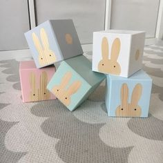 Painted Play Cubes With Wooden Rabbits Wooden Decor, Wooden Crafts, Baby Gift Box, Baby Gifts, Wooden Baby Blocks, Play Cube, Wooden Rabbit, Wood Toys, Christmas Projects
