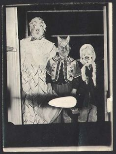Vintage Halloween Costume Photo (10)