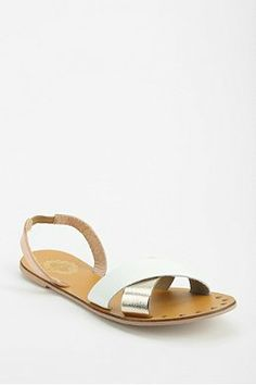 Kimchi Blue Neve Minimal Sandal - Urban Outfitters