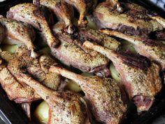 Karcsi főzdéje: Kemencés kacsamell és comb krumpliágyon