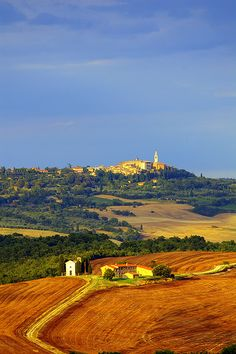 ~ PIENZA , Tuscany, Italy ~ I think God knows that if I go to Italy I would stay forever...