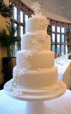 Beautiful snowflake cake.